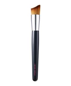 double-lasting-foundation-brush